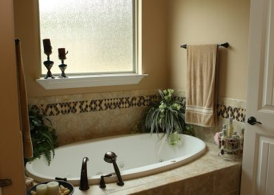 taylor-barnes-homes-bathroom-11