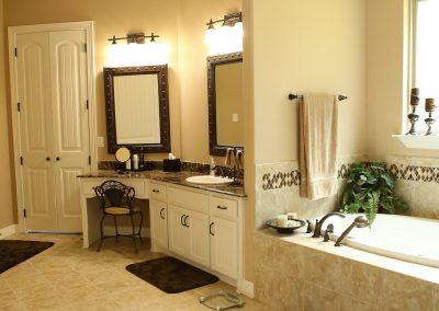 taylor-barnes-homes-bathroom-13