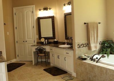 taylor-barnes-homes-bathroom-14