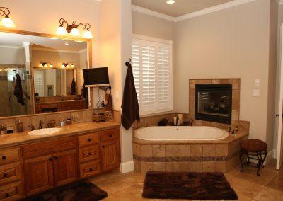 taylor-barnes-homes-bathroom-27