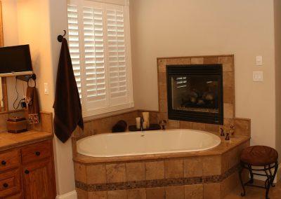 taylor-barnes-homes-bathroom-28
