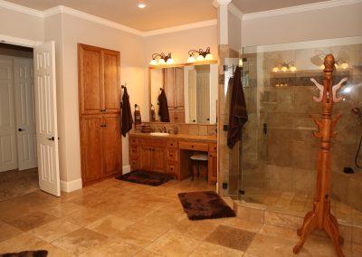 taylor-barnes-homes-bathroom-29