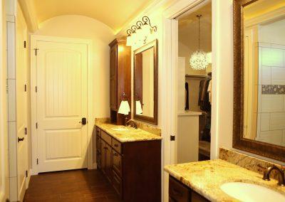 taylor-barnes-homes-bathroom-50