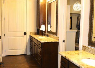 taylor-barnes-homes-bathroom-55