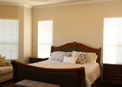 taylor-barnes-homes-bedroom-01