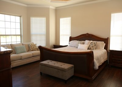 taylor-barnes-homes-bedroom-02