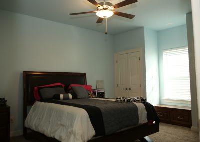 taylor-barnes-homes-bedroom-04