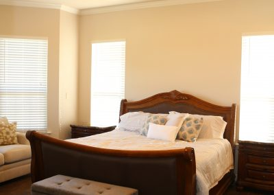 taylor-barnes-homes-bedroom-06