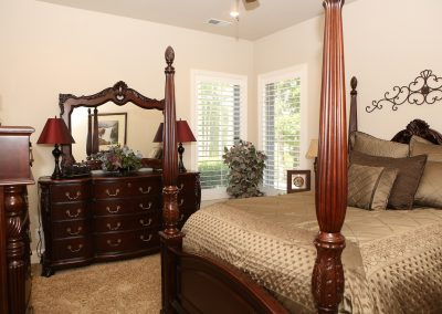 taylor-barnes-homes-bedroom-20