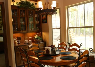 taylor-barnes-homes-dining-03